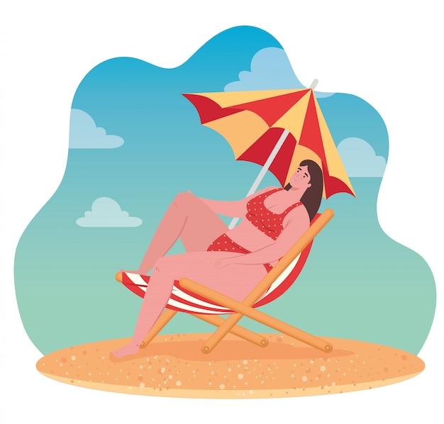Jolie Femme Dodue En Maillot De Bain Assis Sur Une Chaise De Plage Avec Parasol, Saison Des Vacances D'été Vecteur Premium