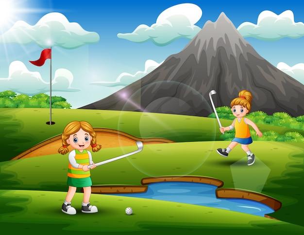 Jolies filles jouant au golf dans la cour Vecteur Premium