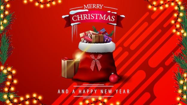 Joyeux noël et bonne année, carte de voeux rouge avec cadre de guirlande et voiture vintage rouge portant l'arbre de noël Vecteur Premium