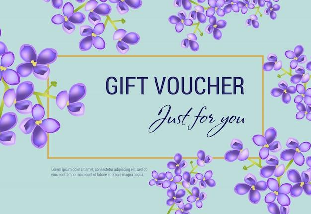 Juste pour vous un bon cadeau avec des fleurs lilas et un cadre sur fond bleu clair. Vecteur gratuit