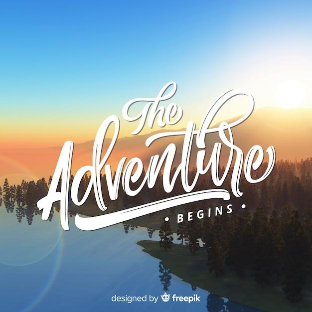 Lettrage aventure fond avec photo Vecteur gratuit