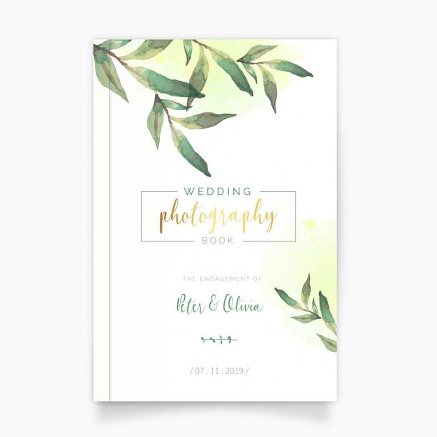 Livre de photographie de mariage avec des feuilles d'aquarelle Vecteur gratuit