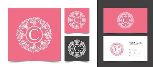 Logo De Beauté Florale Féminine Calligraphique Rose Monogramme Héraldique Dessiné à La Main Design De Luxe De Style Vintage Antique Vecteur Premium