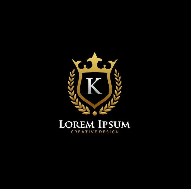 Logo k letter gold crown Vecteur Premium