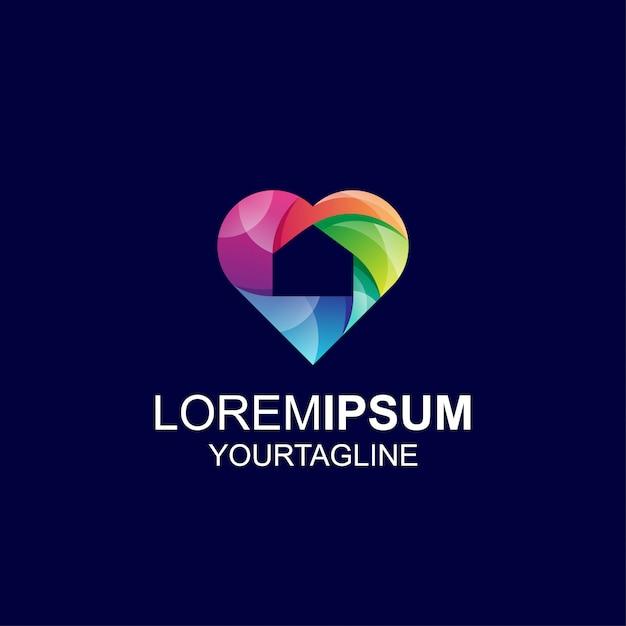 Logo love shield gradient color impression géniale Vecteur Premium