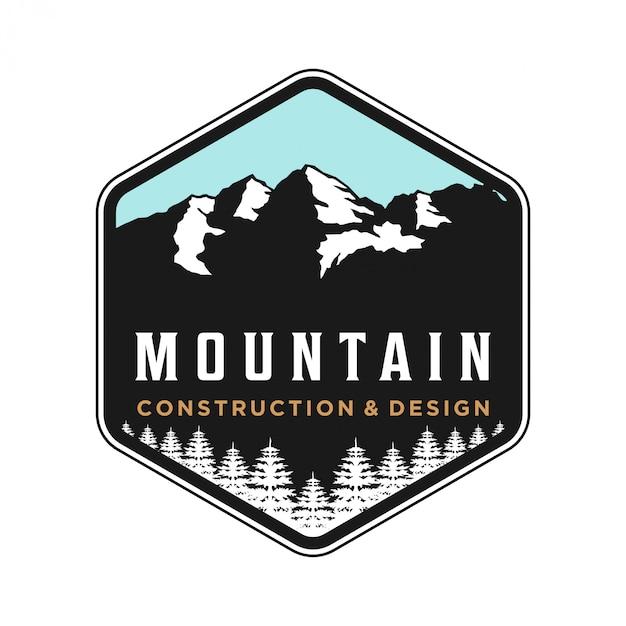 Logo de montagne en plein air pour le camping et l'aventure Vecteur Premium