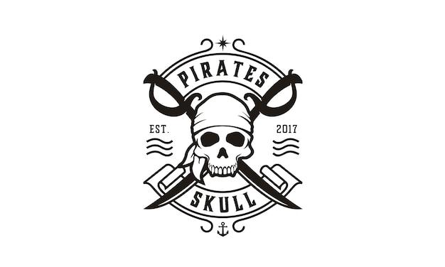Logo des pirates crâne et traversée des épées Vecteur Premium