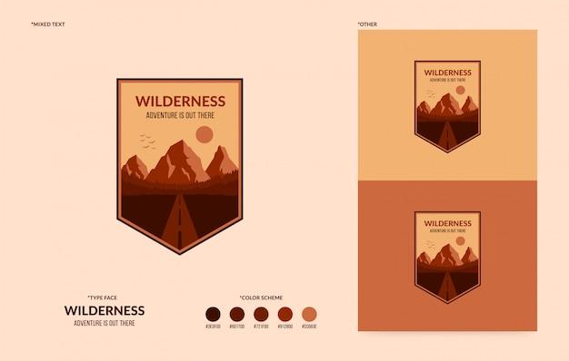 Logo wilderness, badge aventure en plein air, concept de randonnée et de camping Vecteur Premium
