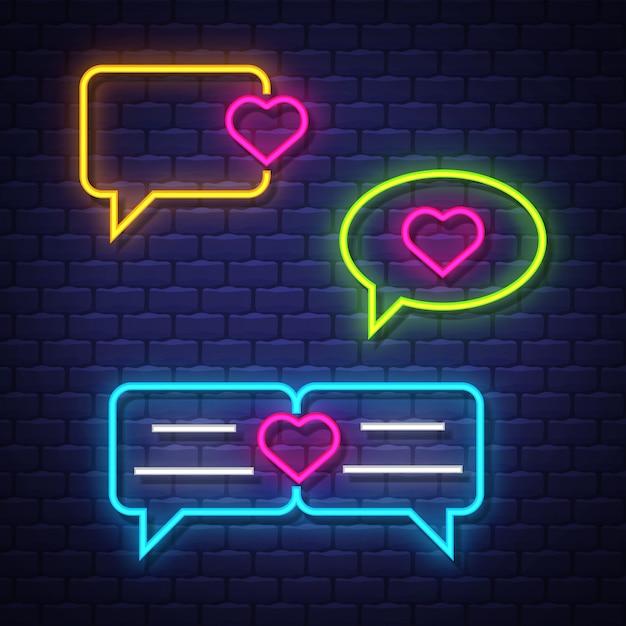 Love talk bubble collection de signes au néon. signes de ballons de chat d'amour. enseignes au néon. Vecteur Premium