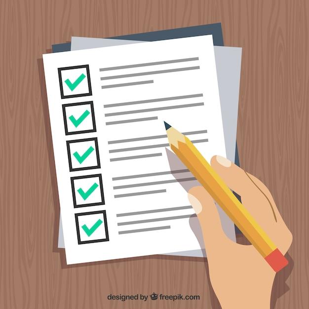 Une main tenant un stylo et remplir un formulaire Vecteur gratuit