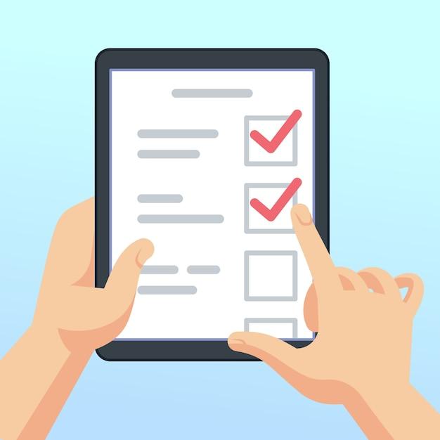 Mains tenant la tablette avec formulaire d'enquête en ligne, questionnaire. concept de vecteur de commentaires marketing mobile. illustration de la liste de contrôle et du questionnaire, tablette avec commentaires Vecteur Premium