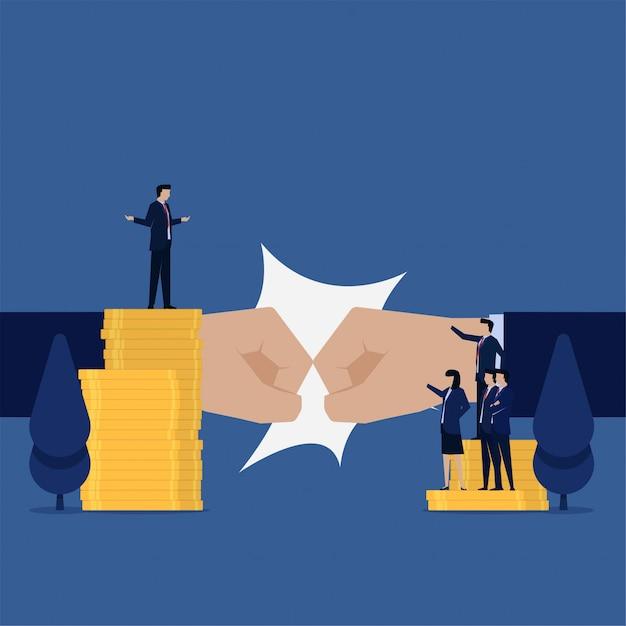 Manifestation contre une équipe d'affaires au directeur pour une métaphore de la part des profits. Vecteur Premium