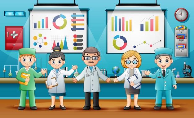 Médecins avec des chimistes professionnels dans le laboratoire Vecteur Premium
