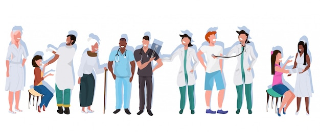 Mélanger Les Médecins De Race Avec Les Patients Debout Ensemble Les Travailleurs De L'hôpital En Occupation Professionnelle Uniforme Concept De Médecine De La Santé Pleine Longueur Horizontale Plate Vecteur Premium