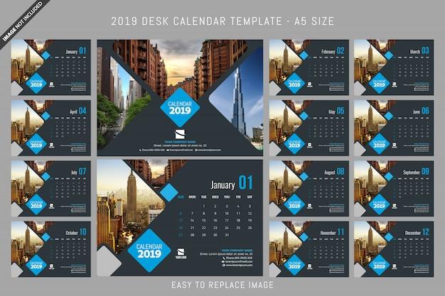 Modèle de calendrier de bureau 2019 a5 taille Vecteur Premium