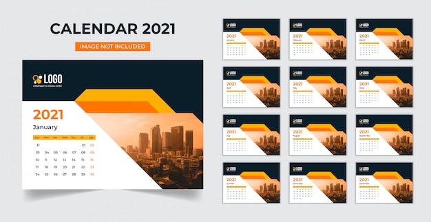 Modèle De Calendrier De Bureau 2021 Vecteur Premium