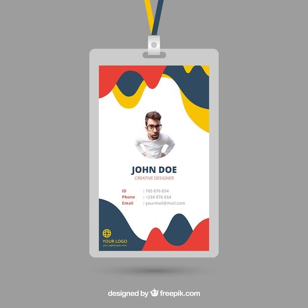 Modèle de carte d'identité avec style abstrait Vecteur gratuit