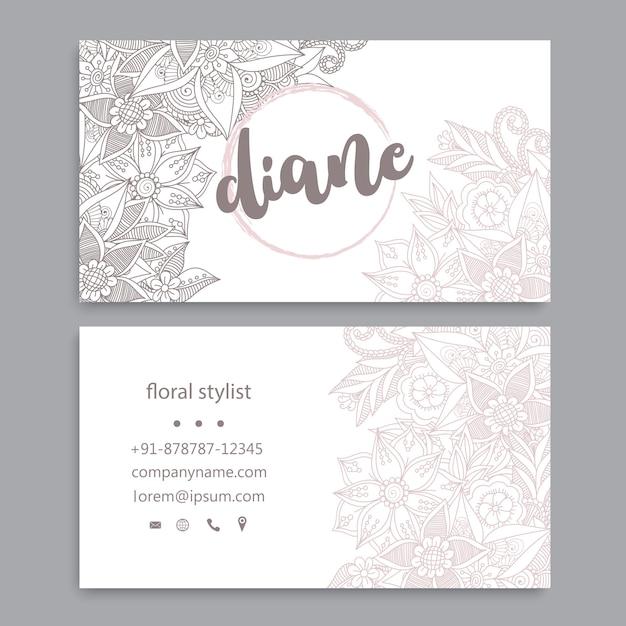 Modèle de carte de visite avec des fleurs à l'aquarelle Vecteur gratuit