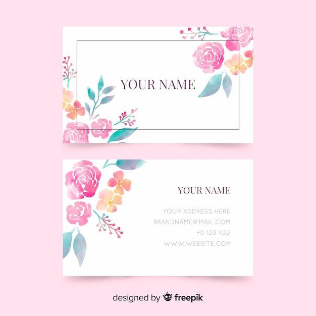 Modèle de carte de visite avec des fleurs Vecteur gratuit