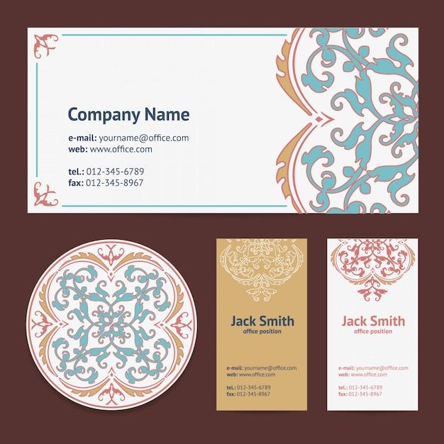 Modèle De Cartes De Visite Corporatives Design Set Et Enveloppe Avec Un Tapis De Bière Avec Style Turc D'ornement Et De Damas Vecteur Premium