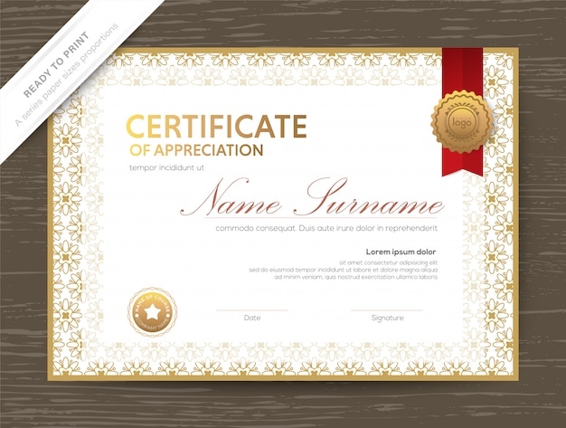 Modèle De Diplôme De Certificat D'or Avec Bordure Florale Classique Et Cadre Vecteur Premium