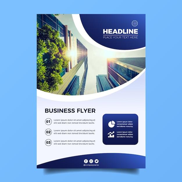 Modèle De Flyer Commercial Vertical Vecteur gratuit