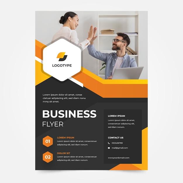Modèle De Flyer D'entreprise Entreprise Joueurs D'équipe Vecteur gratuit