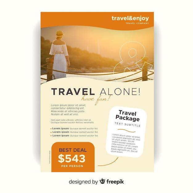 Modèle de flyer de voyage seul avec photo Vecteur gratuit