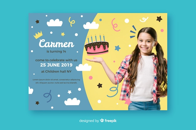 Modèle d'invitation anniversaire enfants avec photo Vecteur gratuit