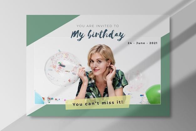 Modèle D'invitation D'anniversaire Avec Photo Vecteur gratuit