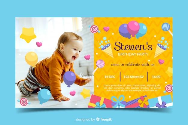 Modèle d'invitation anniversaire pour bébé mignon Vecteur gratuit