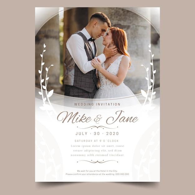 Modèle d'invitation de mariage belle avec photo Vecteur gratuit