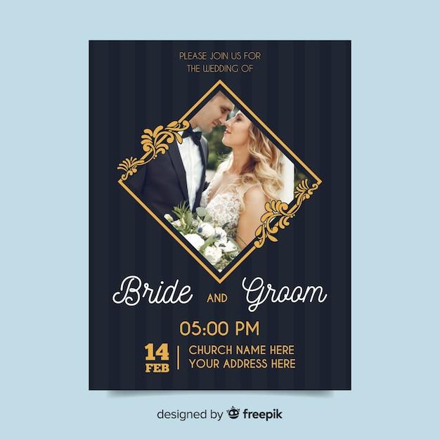 Modèle d'invitation de mariage ornemental avec photo Vecteur gratuit