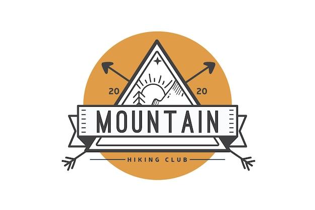 Modèle De Logo De Club De Randonnée Vecteur gratuit