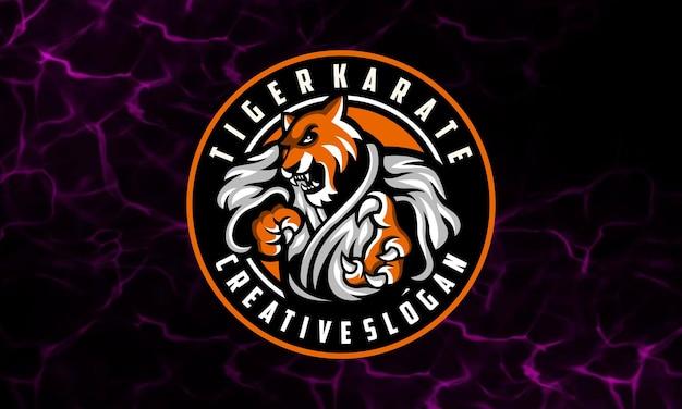 Modèle De Logo De Mascotte De Karaté Tigre Vecteur Premium