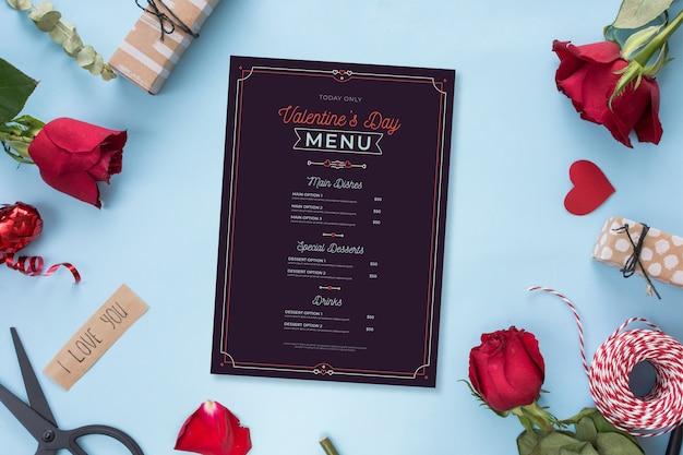 Modèle De Menu De La Saint-valentin Avec Des Roses Vecteur gratuit