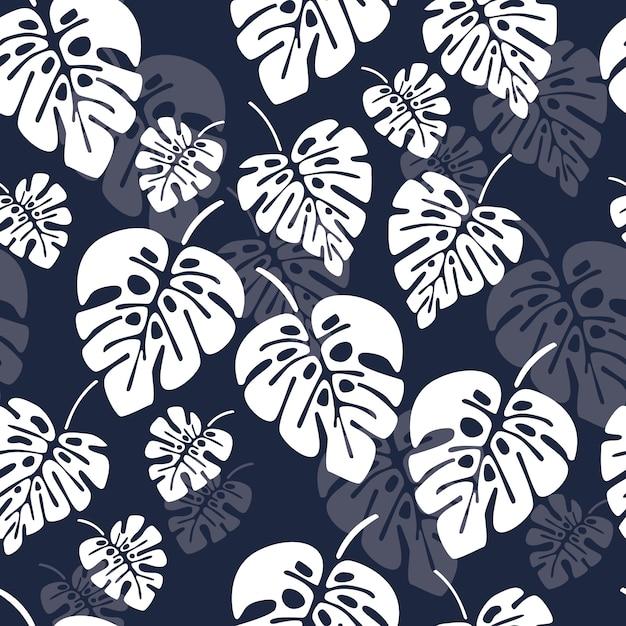 Modèle sans couture d'été avec des feuilles de palmier blanc monstera sur fond bleu Vecteur Premium