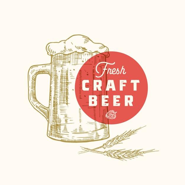 Modèle De Signe, Symbole Ou Logo Abstrait De Bière Artisanale Fraîche. Chope De Bière Rétro Dessinée à La Main, Houblon Et Typographie Classique. Emblème Ou étiquette De Bière Vintage. Vecteur Premium