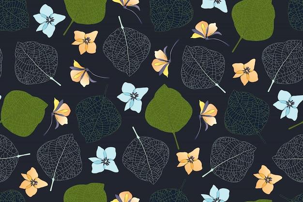 Motif Floral Sans Couture D'art. Feuilles Vertes, Foncées, Nervures Blanches Des Feuilles, Fleurs Bleu Glacier Et Jaune Pâle Isolées Sur Fond Sombre. Motif Sans Fin Vecteur Premium