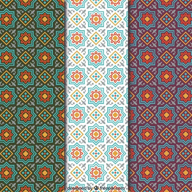 Des motifs en mosaïque arabe Vecteur gratuit