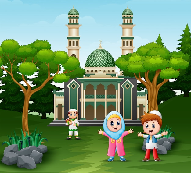 Musim heureux enfants devant la mosquée Vecteur Premium