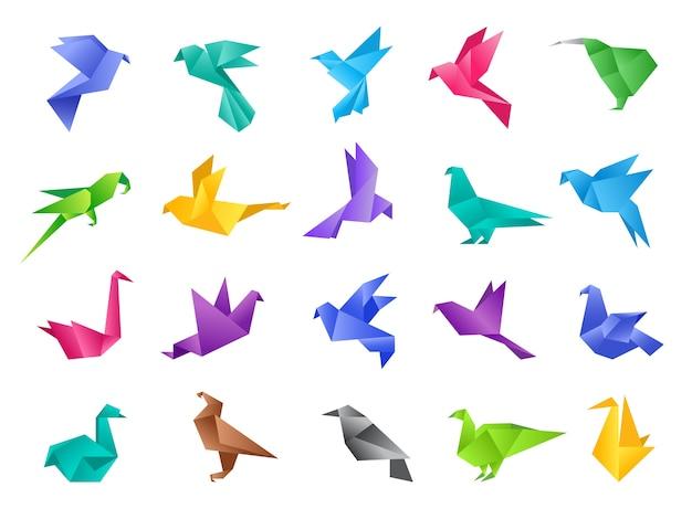 Oiseaux En Origami. Formes Abstraites Géométriques Stylisées De Colombe Polygonale à Partir D'animaux De Vecteur De Papier Propre Isolés. Illustration Colombe Et Pigeon Oiseau, Animal Origami Polygonale En Papier Vecteur Premium