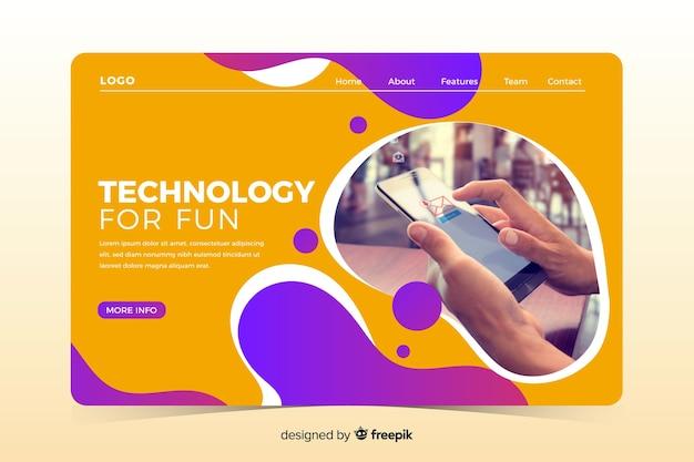 Page d'atterrissage de technologie avec la conception liquide Vecteur gratuit
