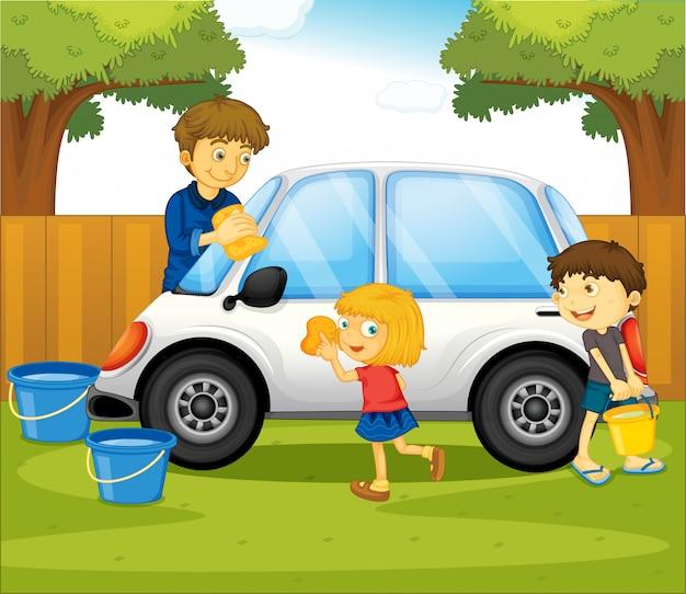 Papa et enfants lavant la voiture dans le parc Vecteur gratuit