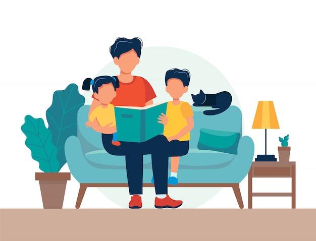 Papa en train de lire pour les enfants. famille assise sur le canapé avec livre. Vecteur Premium