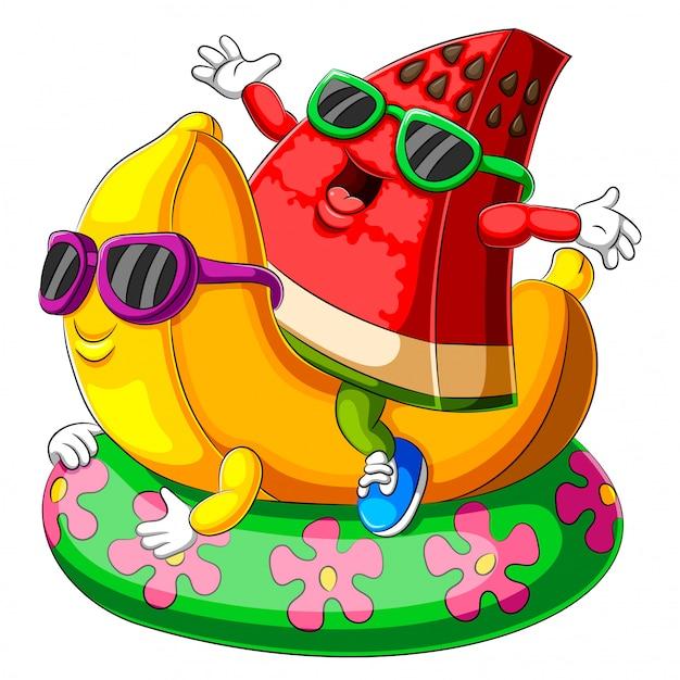 Pastèque et banane en forme de bande dessinée jouant au flotteur gonflable pour piscine Vecteur Premium