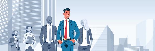 Patron de chef d'équipe homme d'affaires se démarquer bannière Vecteur Premium