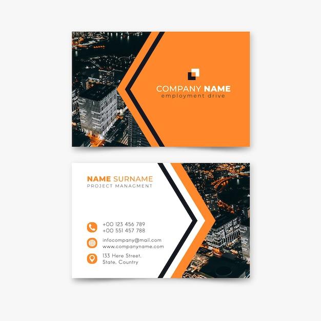 Paysage de la ville haute vue et nom de l'entreprise de logo Vecteur gratuit