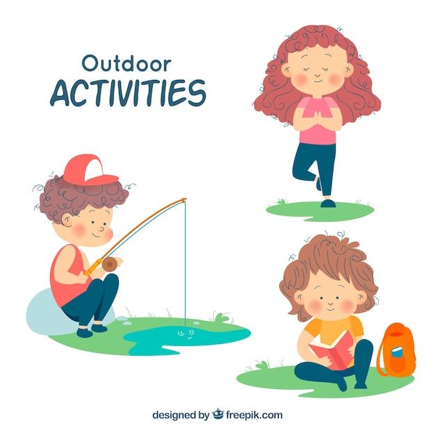 Personnages dessinés à la main faisant des activités de loisirs en plein air Vecteur gratuit