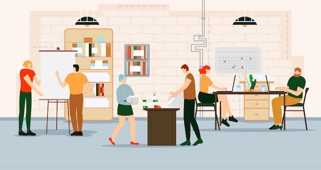 Les personnes créatives travaillent au bureau avec des ordinateurs. Vecteur Premium